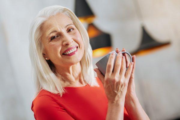 اثر بخشی درمان اگزیستانسیال بر شادکامی زنان متاهل 50 تا 70 ساله